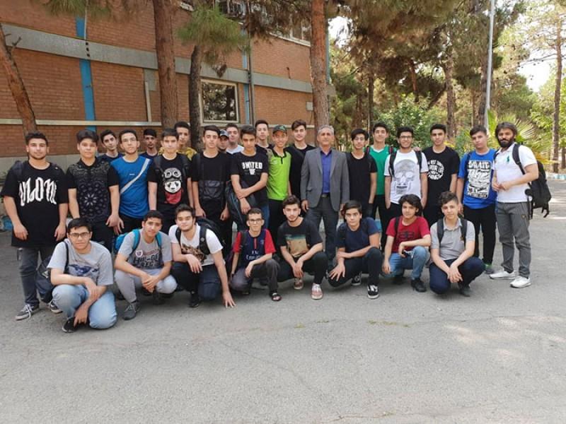 اولین اردوی تابستانی دبیرستان موحد